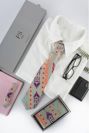 PS-PS101  PS Men Grey Ikat Stripe print silkmul Pocket Square
