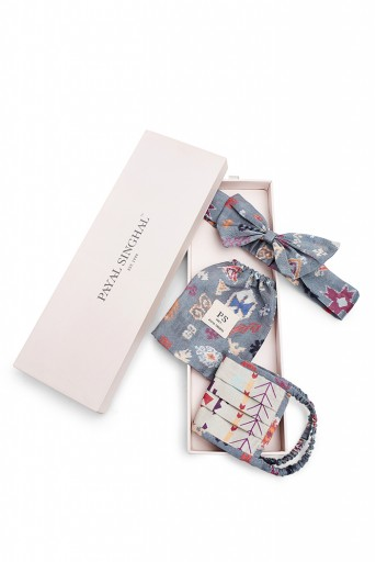 PS-HM0013  Grey Ikat Stripe And Blue Bandhini Kilim Print Pleated 3 Ply Mask With Pouch And Hairband Set