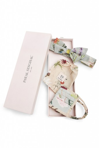 PS-HM0015  Powder Blue Bageecha And Peach Bageecha Print Pleated 3 Ply Mask With Pouch And Hairband Set