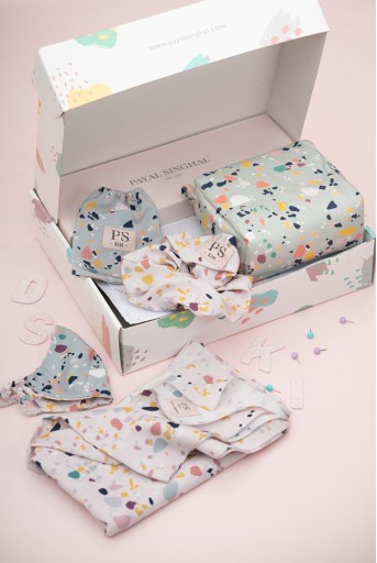 PS-GB005  PS Kids by Payal Singhal Luxe Gift Hamper for Girls (Set of 4)