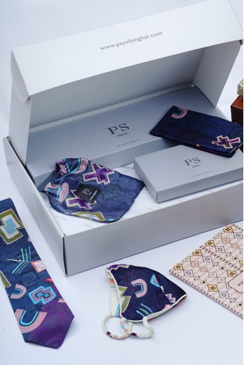 PS-GB0013  PS Men by Payal Singhal Luxe Gift Hamper for Men (Set of 5)