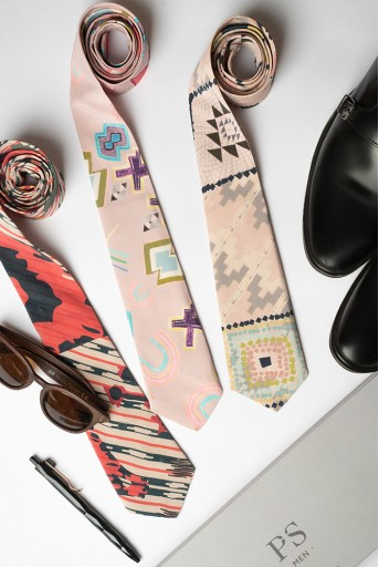 PS-TIE122  PS Men Pink Ikat Star Print Crepe Tie