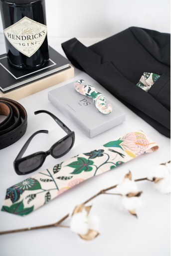 PS-TPM001  PS Men White Abutilon Print Crepe Tie with Matching Moustache Pin/Broach and Silkmul Pocket Square (Set of 3)