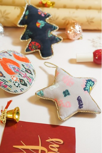 PS-CO001  Set of 3 Assorted Upcycled Christmas Ornaments in Signature #PSPrints with Pouch