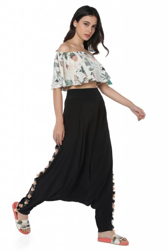 PS-FW425-ZZ  White Colour Printed Art Crepe Off Shoulder Ruffle Top with Black Colour Art Crepe Low Crotch Pant